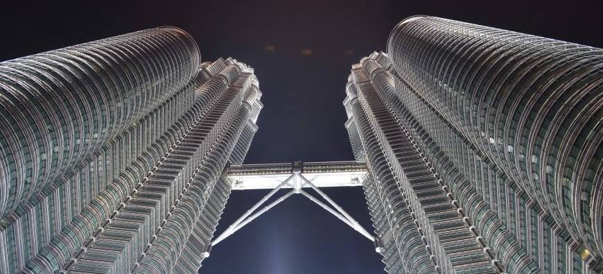 cesar_pelli_petronas_towers_1.jpg